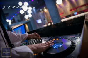 DJs en Yangtsé Sevilla