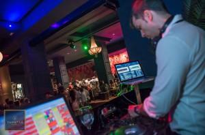 Música de DJ en Yangtsé Sevilla